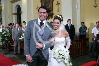 Jacqueline Bracamontes y Eduardo Santamarina 2004