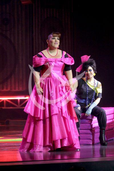 Angélica debuta a Danico en escena