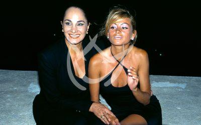 Paulina Rubio y mamá 1995