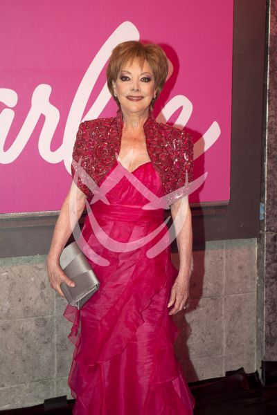 Jacqueline Andere con Barbie