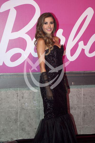 Paulina Goto con Barbie