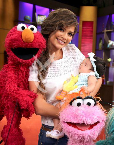 Ana Patricia y baby Giulietta con Amigos Sesame