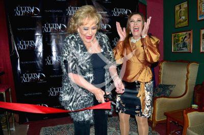 Silvia y Sylvia ¡Cortón!