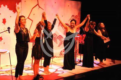 Lilia, Cynthia, Itatí, María, Tatiana y Alicia