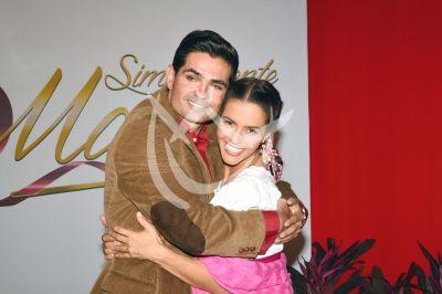 Claudia y Ferdinando con María