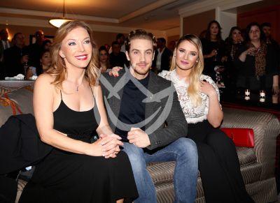 Laura, Eugenio y Kimbely tres de Quién?
