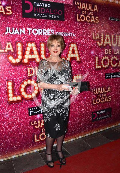 Jacqueline Andere y más a La Jaula