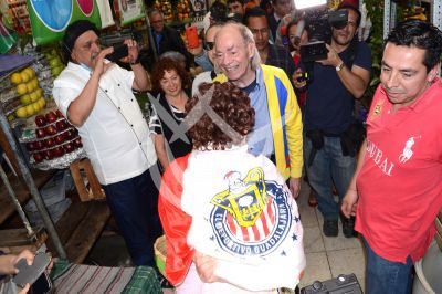 Sergio paga apuesta al Loco