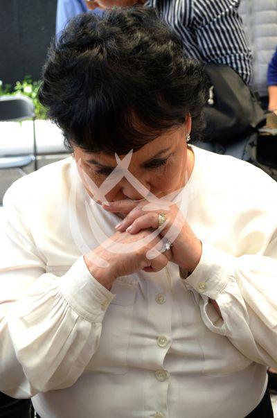 Carmen Salinas llora por su hijo Pedro