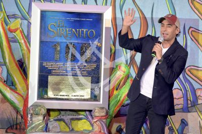 Adal Ramones apadrina al Sirenito