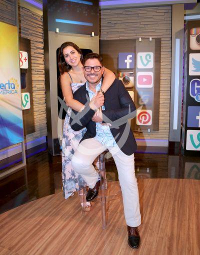Ernesto Laguardia y esposa