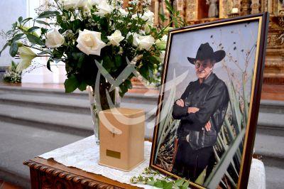 Último adiós a Mario Almada