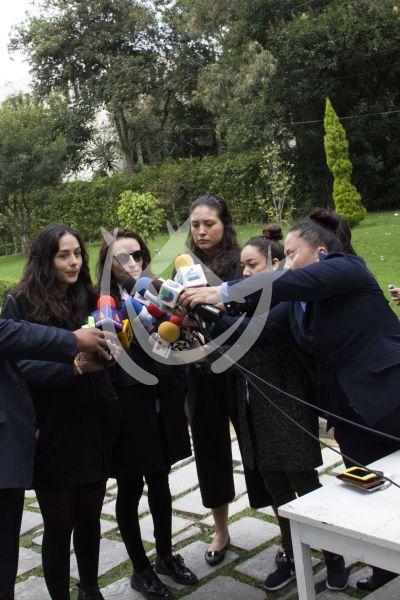 Zuria y Marimar despiden a papá Gonzalo