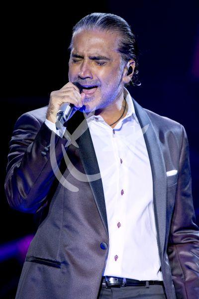 Alejandro Fernández canta a Juanga y rompe récord