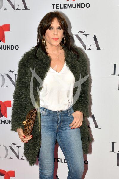 Rebecca Jones y más con La Doña