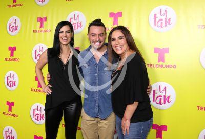Scarlet, Juan Pablo y Angélica son Fans
