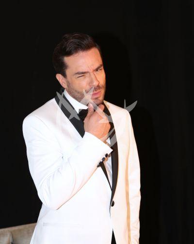 Juan Pablo Espinosa es el galán de la Fan y Angélica Vale