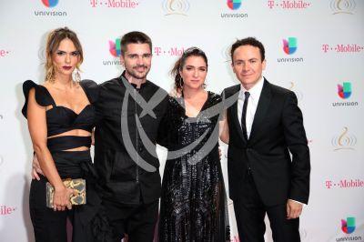 Juanes y Fonseca con esposas en PLN