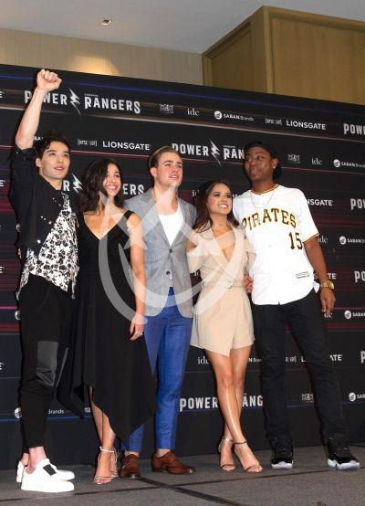 Becky G y sus Power Rangers