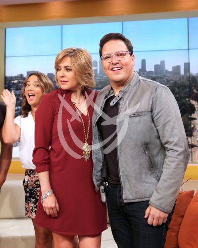 Ana María Canseco con Raúl González y ¡Adamariii... photobomb!