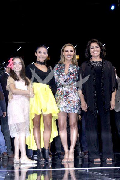 Todas ellas son Lupita D'Alessio