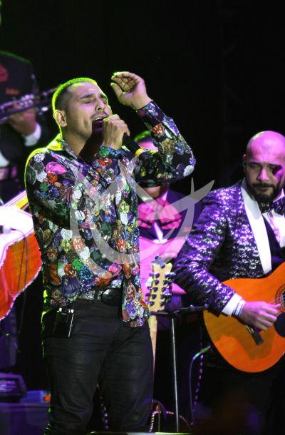 Espinoza Paz y más cantan con ¡feeling! en las Fiestas Patrias Mx