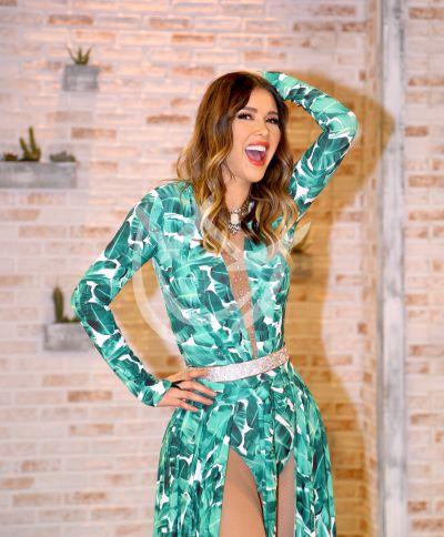 Marlene Favela caras y poses backstage de MQB