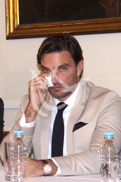 Julián Gil defiende visitas a su hijo Matías