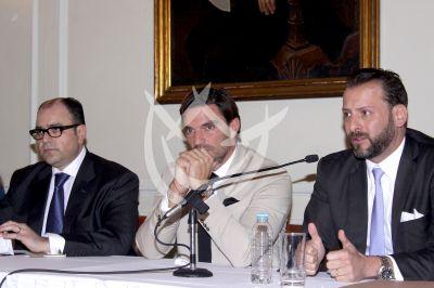 Julián Gil no es un criminal