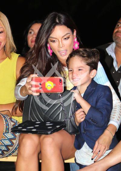 Zuleyka Rivera e hijo se divierten fashion y ¡selfies!