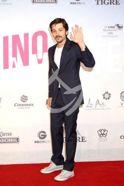 Diego Luna por Camila y Luis Gerardo y más a Marte