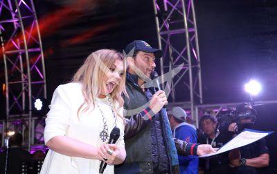 Ednita Nazario y Julián Gil en las Fiestas de la Calle