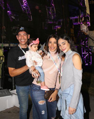 Johnny Lozada, Ximena, Karina y más a las Fiestas de la Calle