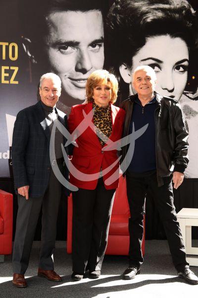 Enrique, Angélica y César están Juntos Por Última Vez