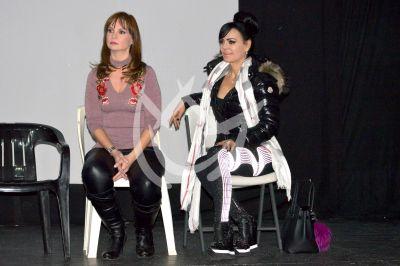 Maribel y Ana Patricia a ensayo