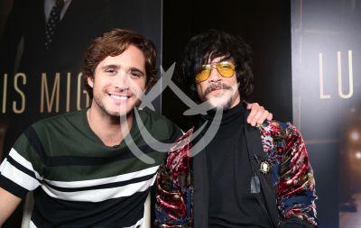 Diego Boneta y Oscar Jaenada son hijo y papá en Luis Miguel la serie