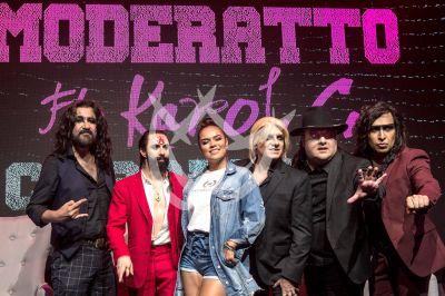 Karol G y Moderatto unen reggaeton y rock