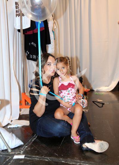 Adamari López e hija con papá Toni y la familia ¡queremos globo!