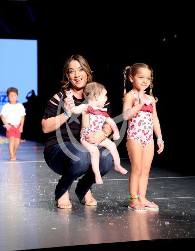 La hija de Adamari López, Alaia, en el Miami Fashion Week