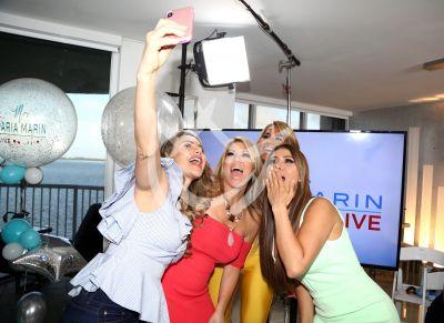 Ximena, Maripily, Ingrid y Ximena selfies!