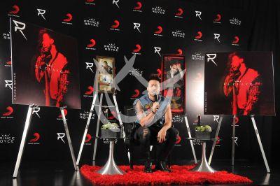 Prince Royce tiene oro y platino con El Clavo