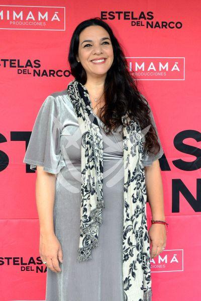 Claudia Ríos con Estelas