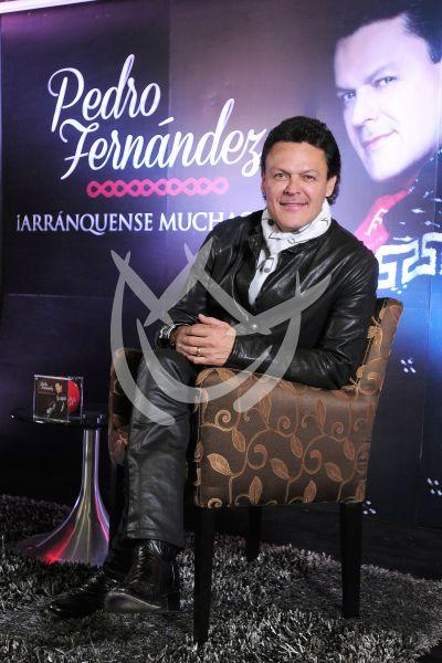 Pedro Fernández celebra cuatro décadas y 40 discos ¡Arránquense!