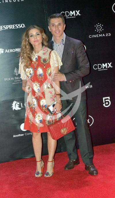 Sergio Mayer e Issabela Camil en los Fénix 2018