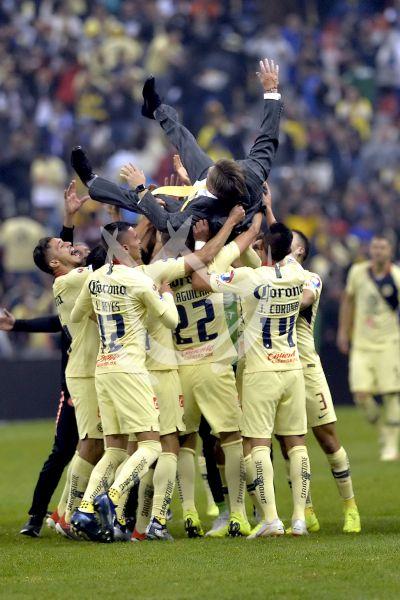 América es Campeón de la Liga MX y ¡el Piojo vuela!