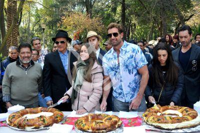 Gabriel Soto parte Rosca de Reyes