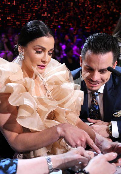 Dayanara Torres con Casper, juez y belleza en MQB All Stars