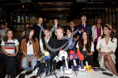 Miguel Ríos y más en Un Retrato De Familia