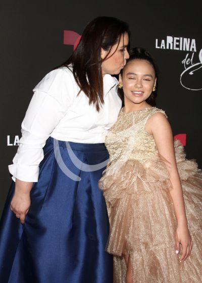 Isabella Sierra con La Reina