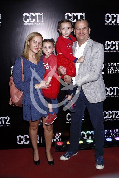 Patricio Cabezut y familia al circo